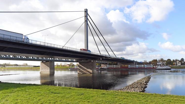 Sanierung Rheinbrücke Karlsruhe